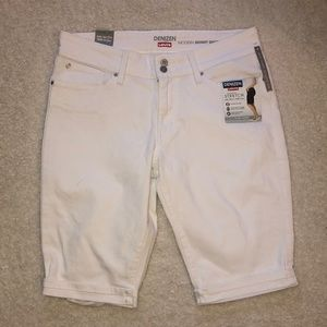 Denizen Levis Jeans Capri White Stretch Size   14